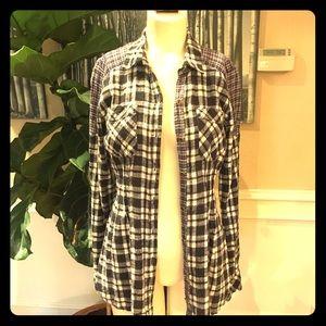 🥼Free People button down plaid shirt, size XS